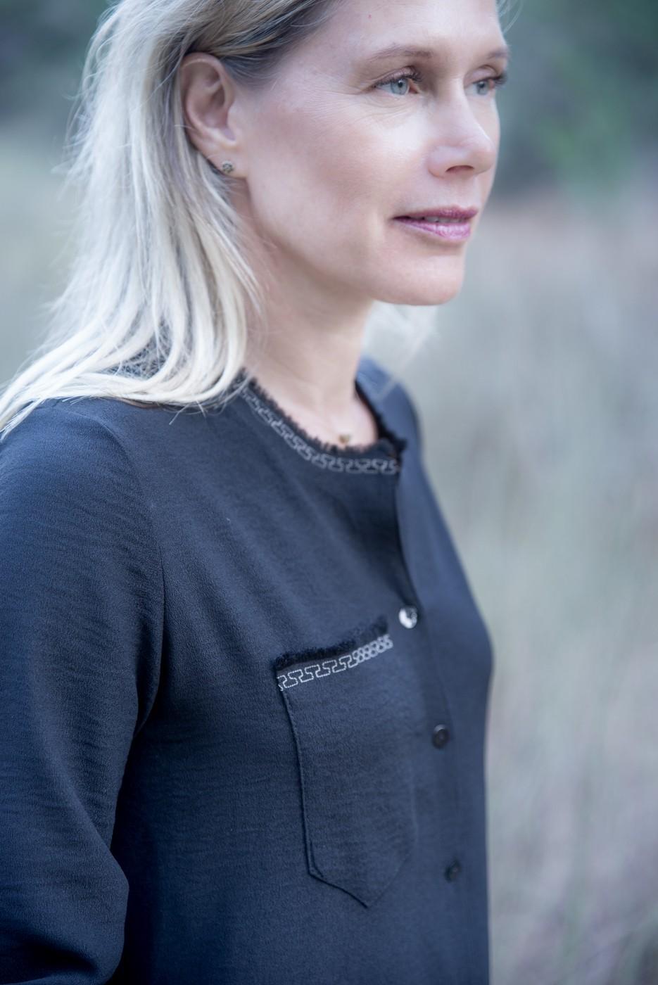 חולצת אלקסה שחור